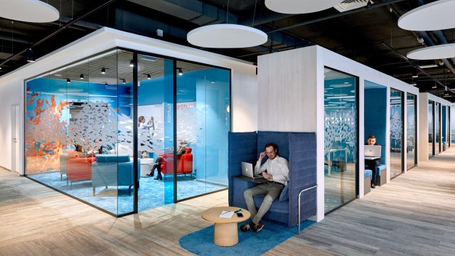 013_Sberbank_Room-in-a-room-and-Office-Space.jpg